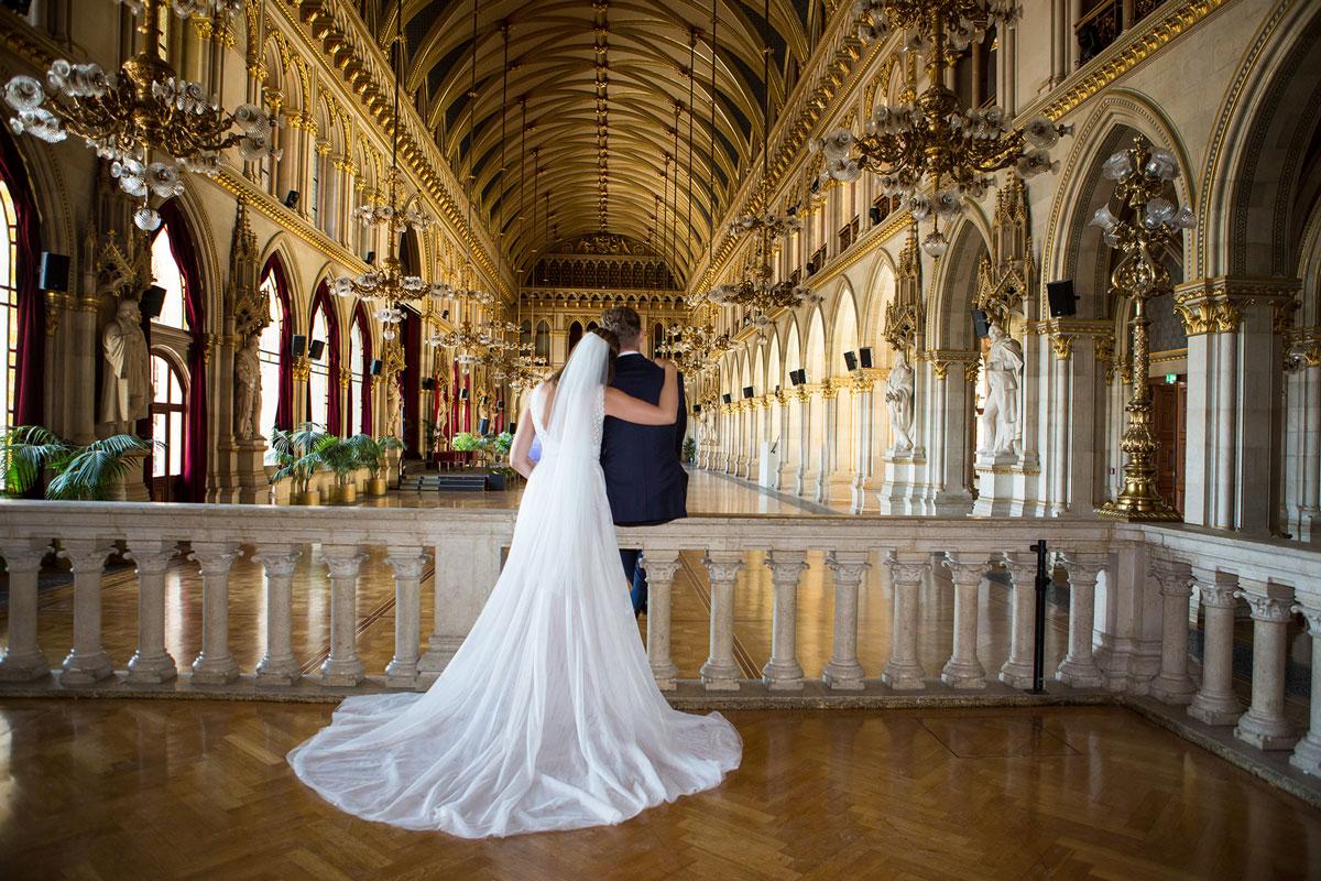 Brautpaar im Wiener Rathaus